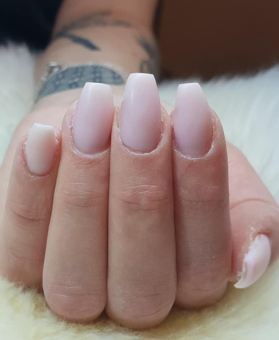 förstärkning av egen nagel